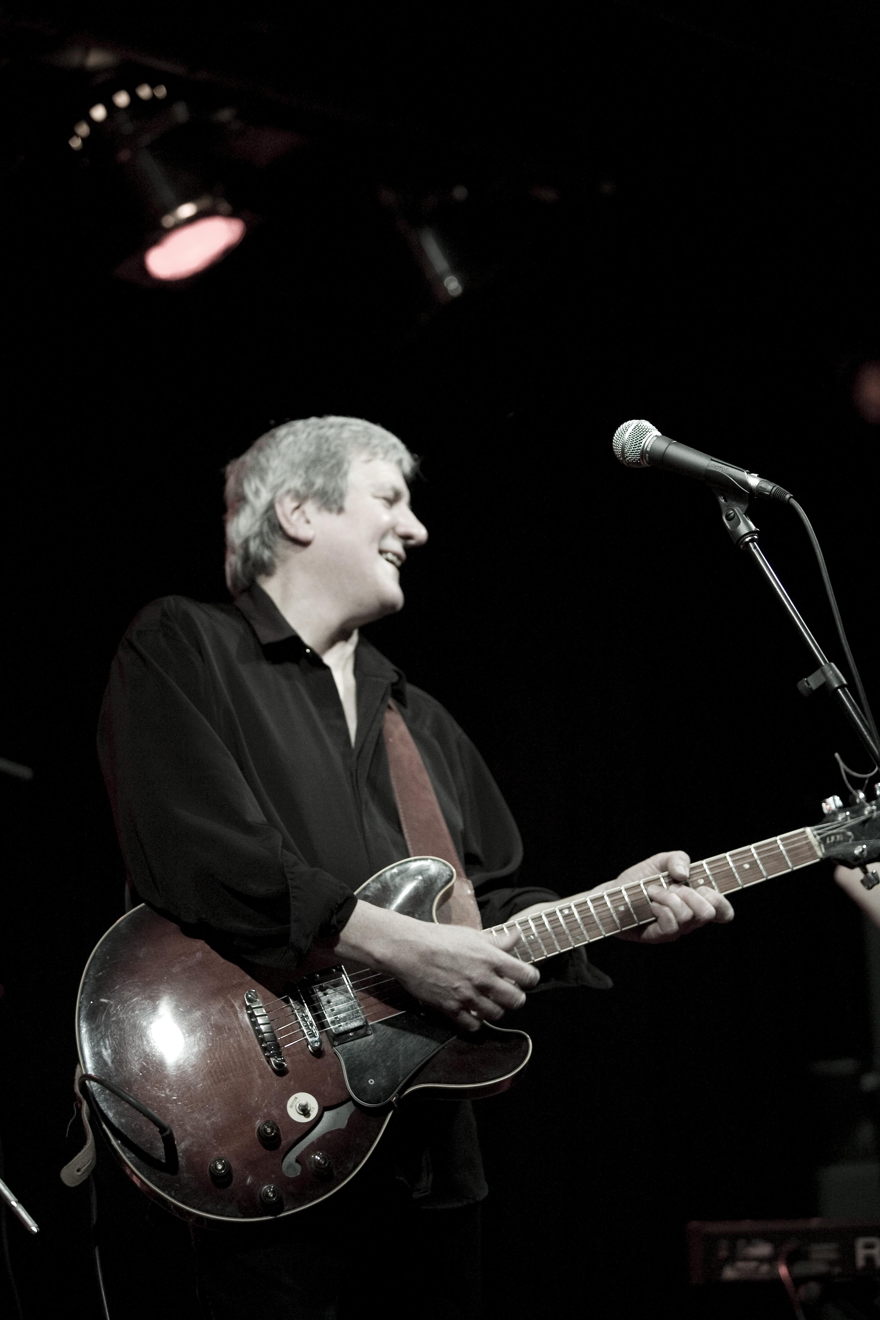 Bluesman Steve Rowe Premieres at Upstairs Jazz
